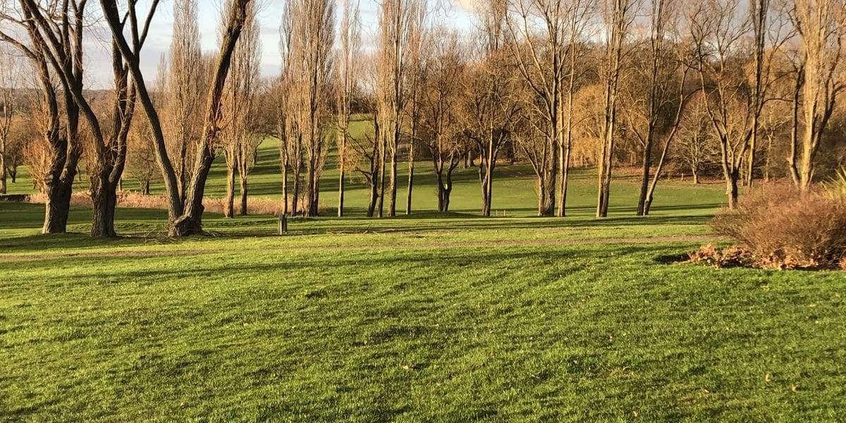 Hole 5 Par 5 winter golf at abridge