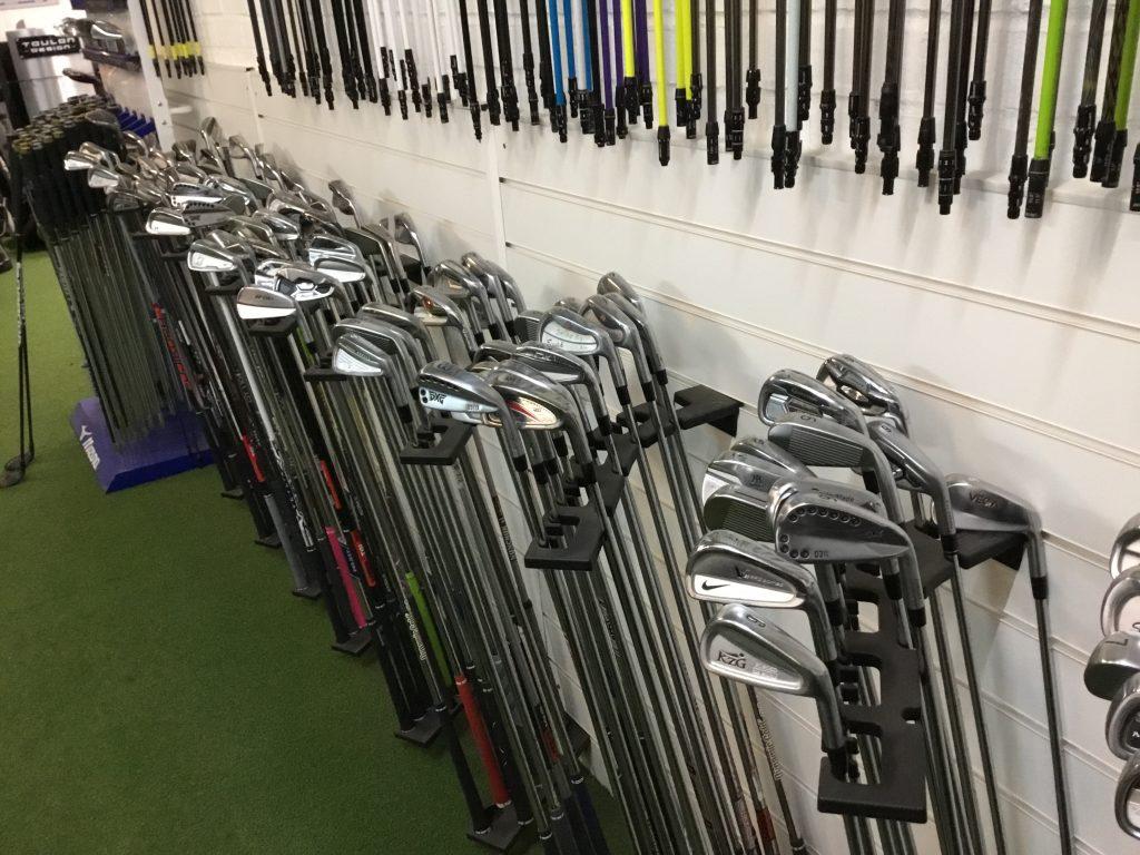 custom fitting studio at abridge golf club